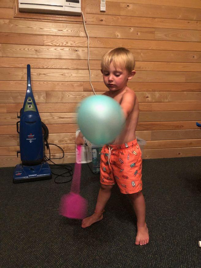 Gus balloon